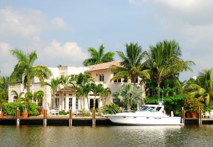 Florida Boating ~ explore the waterways of Ft. Lauderdale, where you'll see luxurious waterfront homes perched on the waterways.