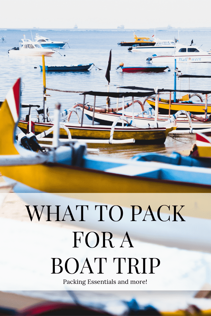 Heading out for a day on the water? Our top 5 Essentials for a Day on the Water will make your trip a stress-free so you can enjoy fun on the water! #boating #boatingessentials #daytripping