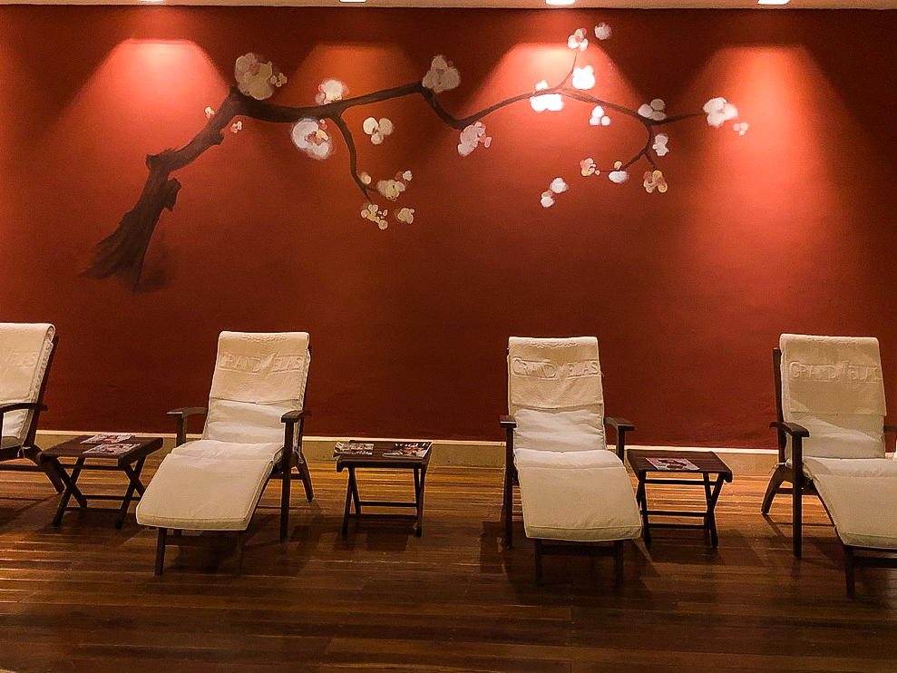 Finish your time at Grand Velas Se Spa by spending some time in the relaxation room, where you'll have a chance to rehydrate, relax, and grab a snack.