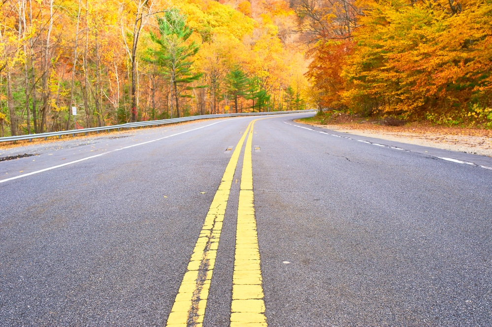 Road trips are a classic way to spend quality time together. But if you think summer is the only time to enjoy these fun trips, I'm here to tell you you're wrong! Here are 6 reasons to take a fall road trip! Here are 6 ways to turn your road trip into a romantic getaway in the south.